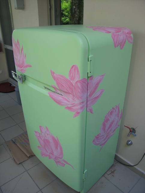 decoration of old refrigerator