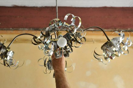 chandelier in recycled aluminium cans